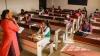 Bengaluru: విద్యార్థులకు హ్యాపీడేస్, స్కూల్స్ ప్రారంభం, ఓ పక్క కరోనా, మరో పక్క సంతోషం, ఆన్ లైన్ కు ఓకే !