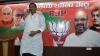 కేసీఆర్ కుటుంబ పాలన.. బీజేపీ డోర్లు తెరిస్తే టీఆర్ఎస్ ఎంపీలు కారులో ఉంటారా? : రఘునందన్