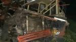ఆర్ టీసీ బస్సును ఢీకొట్టిన కంటెయినర్: 15 మంది దుర్మరణం, నిద్రలోనే ప్రాణాలు, డ్రైవర్లు!