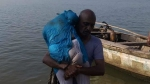 Krishna: కృష్ణా పోలీసుల సాహసం: నదిలో దూకిన యువతిని కాపాడిన వైనం