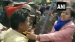 సీఏఏ ర్యాలీ: జుట్టు పట్టడంతో... బీజేపీ కార్యకర్తల చెంప ఛెళ్లుమనిపంచిన లేడీ కలెక్టర్లువీడియో