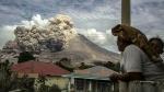 Sinabung Volcano:బద్దలైన సీనాబంగ్ అగ్నిపర్వతం.. చిమ్మ చీకటిలో ఆ గ్రామాలు