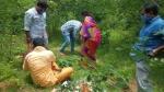 సిరిసిల్ల అగ్రహారం గుట్టల్లో... కలకలం రేపిన ఘటన... స్థానికుల రాకతో పరార్...