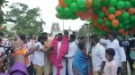 Modi Birthday: కింద టపాసులు, గాల్లో పేలిపోయిన బెలూన్లు, 10 సెకన్లలో కలకలం, 30 మందికి !