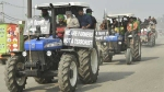 7వ రోజు ఢిల్లీ బోర్డర్ లో కొనసాగుతున్న రైతుల ఆందోళనలు: ఢిల్లీ -నోయిడా బోర్డర్ దిగ్బంధించిన రైతులు