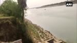 బీహార్ తర్వాత యూపీలో.. నది వెంట మృతదేహాలు: గ్రామాల ప్రజల ఆందోళన