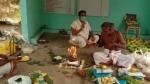 Video : కరోనా ఎఫెక్ట్.. తల్లికి ఆన్లైన్లో కర్మకాండలు నిర్వహించిన కుమారులు...