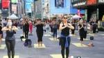 Solstice theme Yoga: న్యూయార్క్ టైమ్స్స్క్వేర్ వద్ద..రోజంతా: యోగా కోసం స్పెషల్ యాప్