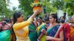 YS Sharmila: నెత్తిన బోనమెత్తి కదిలిన వైఎస్ షర్మిల... స్నేహితురాలితో కలిసి ఉత్సవాల్లో...