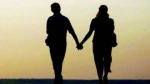 Ex lover: భర్తకు హ్యాండ్ ఇచ్చి ఎస్కేప్,  ప్రియుడితో కలిసి కొండ మీదనుంచి లోయలో దూకిన లేడీ !