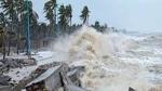 Gulab Cyclone : తీరాన్ని తాకిన గులాబ్ తుఫాన్... గంటకు 85కి.మీ వేగంతో గాలులు...