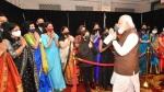 PIC Talk:విమానంలో ప్రధాని మోదీ ఏంటది.. ఆ ఫోటో యమ వైరల్- రాహుల్తో  కంపేర్..!