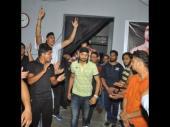 పంచ్: ప్రొఫెషనల్ రెజ్లర్కు షాకిచ్చిన భజ్జీ (వీడియో)