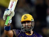 'భారత క్రికెటర్లకు ధోని ఓ బెంచ్ మార్కుని సెట్ చేశాడు'