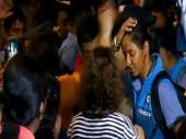 ఘన స్వాగతం: ముంబైకి భారత మహిళా క్రికెటర్లు (వీడియో)