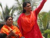 జగన్ 'తెలంగాణ'కు జై!: విజయమ్మ, ఎందుకు తెచ్చానా