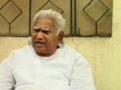 పాల్వాయికి కాంగ్రెస్ షోకాజు నోటీసు: మరో ఎమ్మెల్సీకీ..