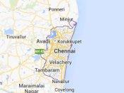 కారు బీభత్సం: గాల్లోకి పాదచారులు, మృతి(వీడియో)