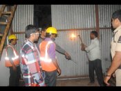 ప్లాన్ చూపించి మరీ: హైదరాబాద్లో నిర్మాణాలను కూల్చివేస్తున్నారు
