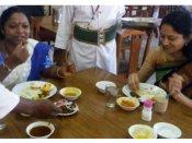 బీఫ్ బ్యాన్పై అసెంబ్లీలో చర్చ: బీఫ్తో బ్రేక్ఫాస్ట్ చేసి మరీ వెళ్లారు!