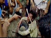 భారత్ మాతాకీ జై అనలేదని చేయి చేసుకున్నారు