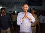 'అవినీతి' రఘు: అనంతలో 75ఎకరాలు, ఆరుగురు బినామీలు, 550కోట్లపైనే..