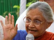 మోడీ నిర్ణయం భేష్...మన్మోహన్ అంత చురుకుగా లేరు: కాంగ్రెస్ నాయకురాలు షీలా దీక్షిత్