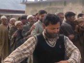 వైరల్ : కశ్మీర్ లో ఓటర్ సంతోషం.. పోలింగ్ కేంద్రం దగ్గర డ్యాన్స్ (వీడియో)