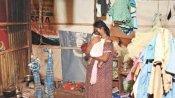 ధనిక రాష్ట్రంలో దారుణం .. అన్నం లేక మట్టి తింటున్న చిన్నారుల దైన్యం