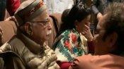 అద్వానీ భావోద్వేగం: షికారా మూవీ చూస్తూ.. కన్నీరు ఆపుకోలేక: కాశ్మీరీ పండిట్స్ వెతలపై..!