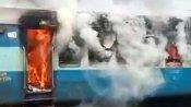 మౌలాలి రైల్వే స్టేషన్లో భారీ అగ్ని ప్రమాదం: పూర్తిగా దగ్ధమైన రైలు బోగీ