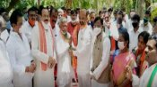 కరీంనగర్లో కాంగ్రెస్కు షాక్, బీజేపీలోకి కటకం మృత్యుంజయం, బండి సంజయ్ సమక్షంలో చేరిక
