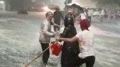 వర్ష బీభత్సంతో విషాదం: వరదలో 30మంది గల్లంతు .. పాతబస్తీలో 9 మంది మృతి