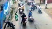 వీడియో: పట్టపగలే నడిరోడ్డుపై అందరూ చూస్తుండగా యువకుడిని పొడిచి చంపేశాడు