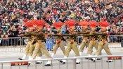 అట్టారీ-వాఘా బోర్డర్లో ఘనంగా బీటింగ్ రీట్రీట్ వేడుకలు... భారీగా హాజరైన ప్రజలు