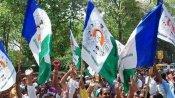ఏపీలో అధికార పార్టీకి సవాల్ గా  ఏకగ్రీవాలు .. మంత్రులు, ఎమ్మెల్యేల ముందే వైసీపీ గ్రూప్ 'పంచాయితీలు'