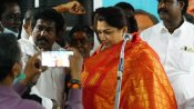 Tamil Nadu Assembly Election 2021: నామినేషన్ దాఖలు చేసిన బీజేపీ నేత, నటి ఖుష్బూ సుందర్