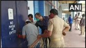 పవన్ కల్యాణ్కు బిగ్ షాక్.. పొరుగు రాష్ట్రంలో వకీల్ సాబ్ థియేటర్లు సీజ్