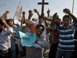 Drunken row sparked Pakistan anti-Christian riot