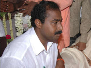 India Bommanahalli Mla Sathish Reddy Daughter Commits Suicide