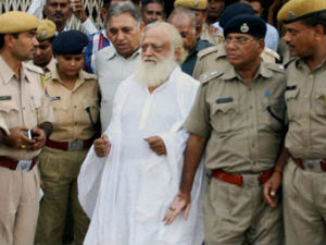 Woman IPS officer gets threat call for searching Asaram's son