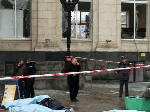 Female suicide bomber kills 16 at Russia train station