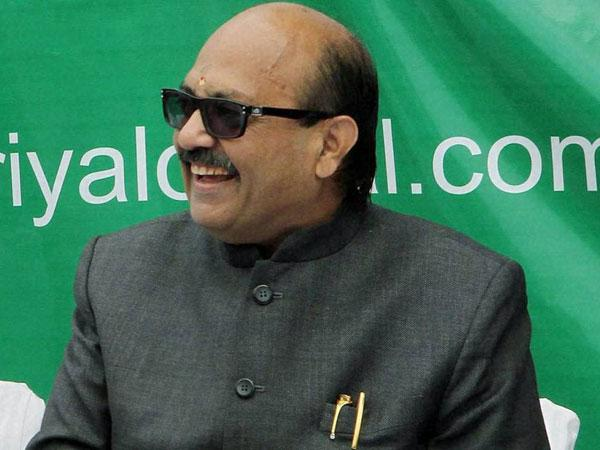Amar Singh, wife assets worth about Rs 100 crore