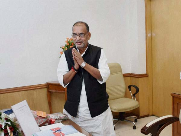 Radha Mohan Singh meets Chandrababu and KCR