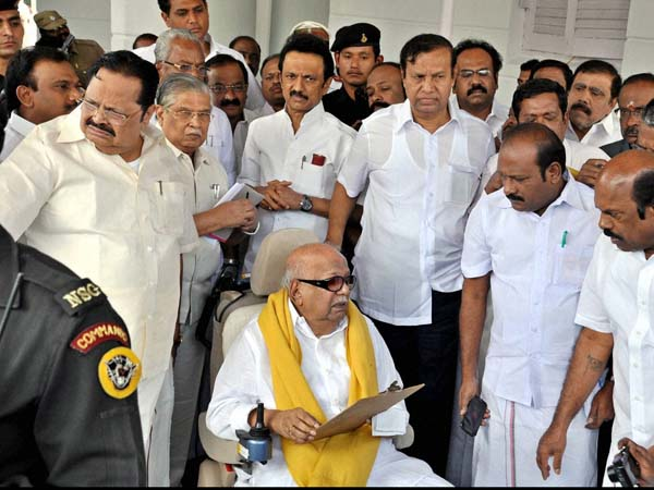 DMK Chief Karunanidhi Leaves Assembly, Says 'No Place for Disabled Like Me'