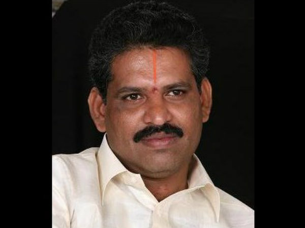 Chevireddy Bhaskar Reddy demands 420 case against Chandrababu