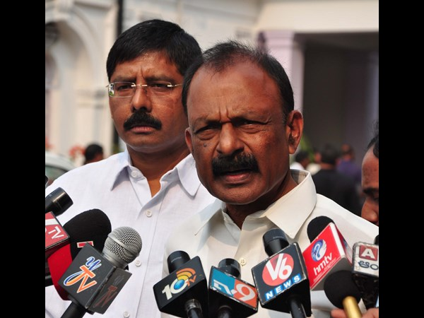 Raghuveera Reddy demands Chandrababu to stay in Delhi