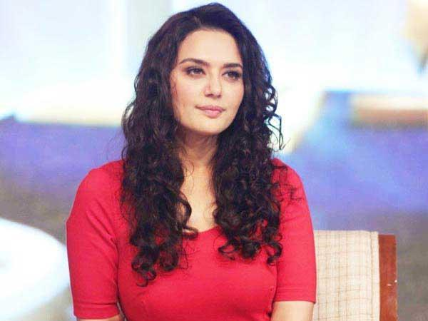Preity Zinta slams scribe, says 'asking personal questions is not cool'