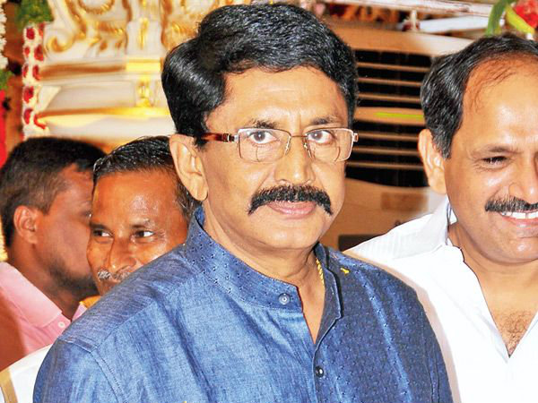 We supports Jayasudha in MAA elections says Murali Mohan