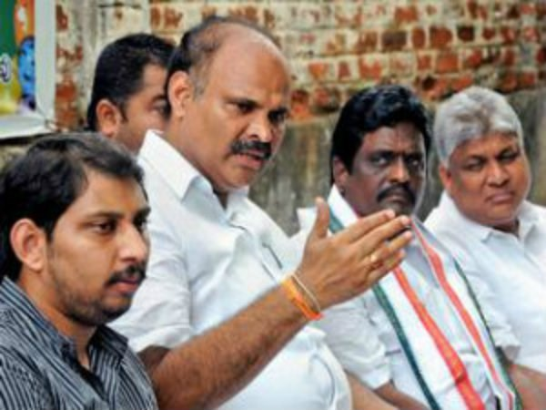 YSRCP leaders fires at Chandrababu